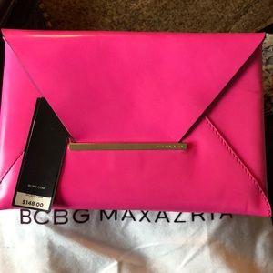 Bcbg max azria fuscia envelope clutch